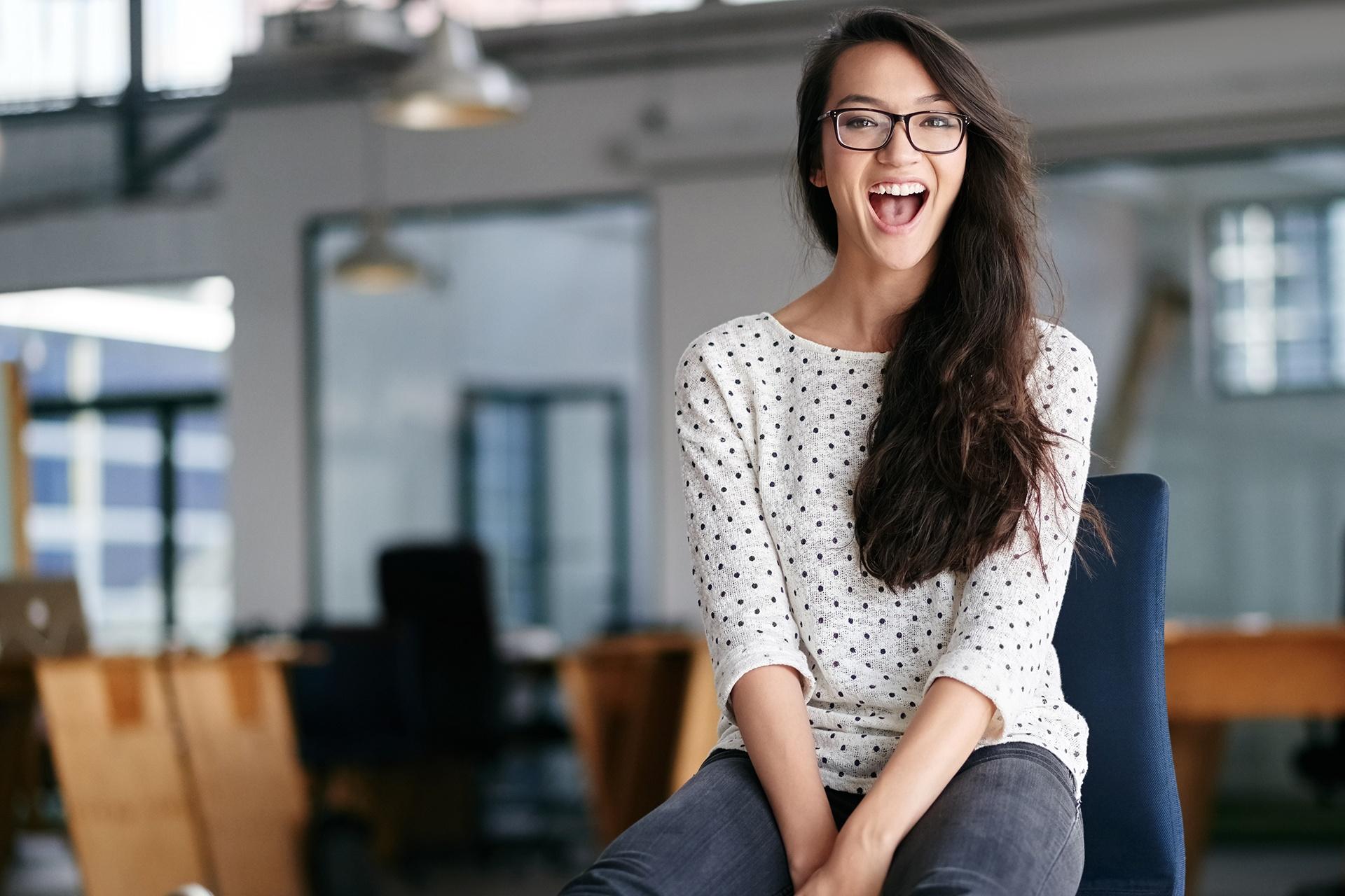 Stock_People_Woman_Office_Chair_Website_LandingPage_1920x1280.jpg